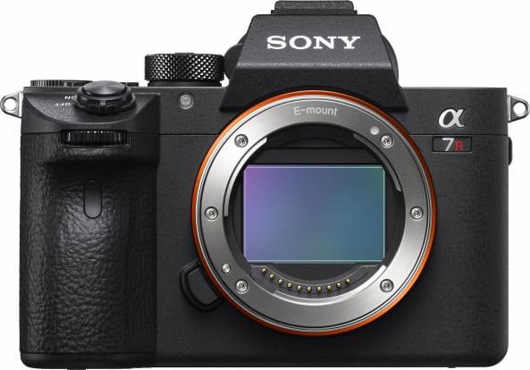 Product Image - Sony Alpha a7R III