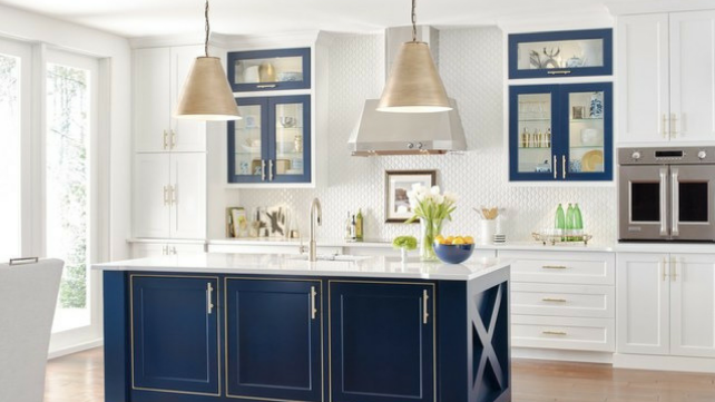 MasterBrandCabinets-two-toned-kitchen