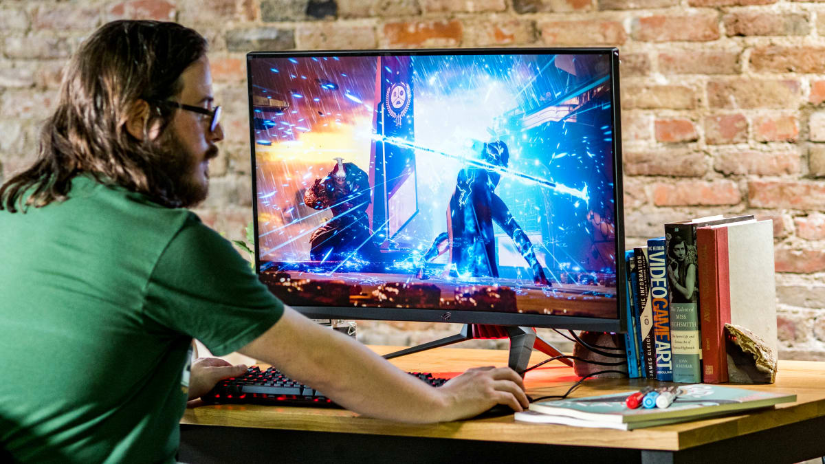 What to check before buying a computer monitor online