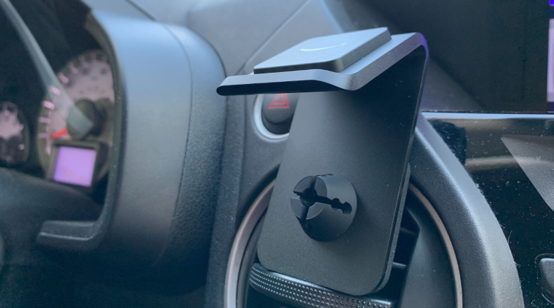 The Echo Auto comes with an air vent mount.