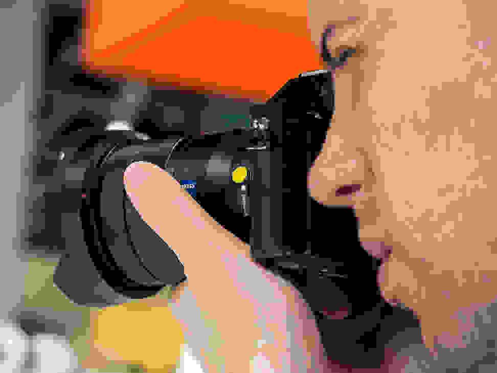 Zeiss 16–35mm f/4 – Zeiss Badge