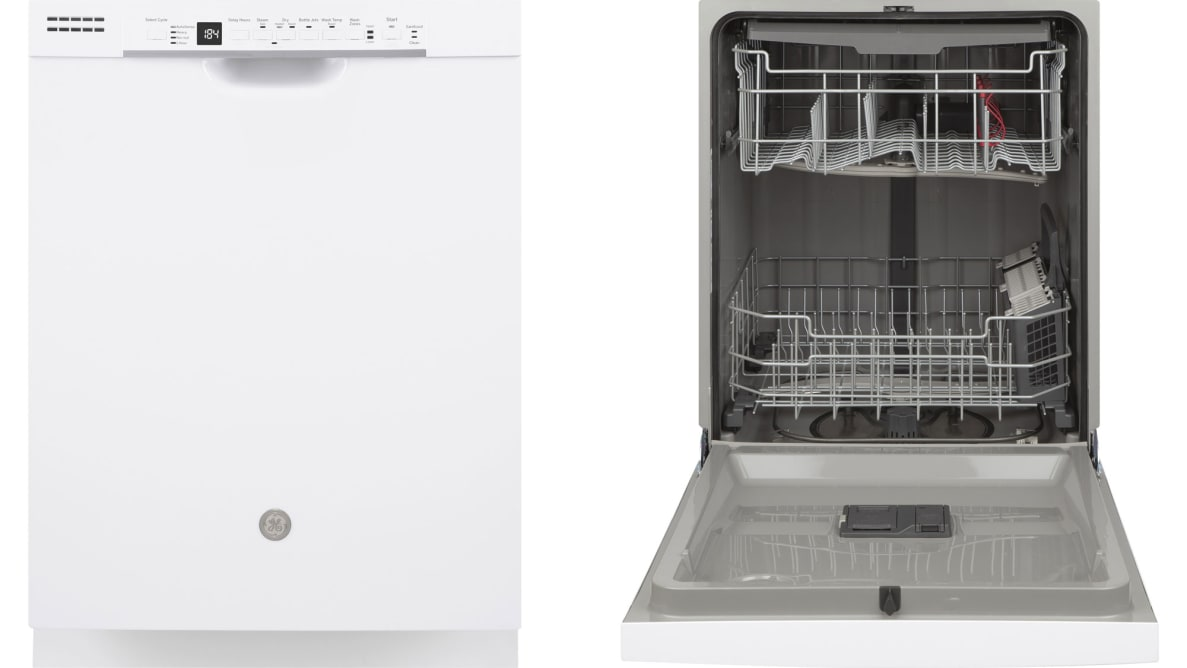 The GE Appliances GDF630PGMWW dishwasher