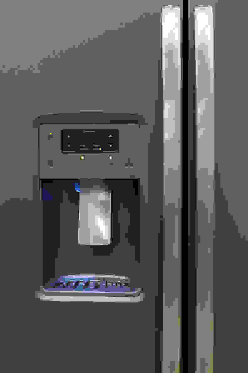 GE-GSE25HMHES_dispenser