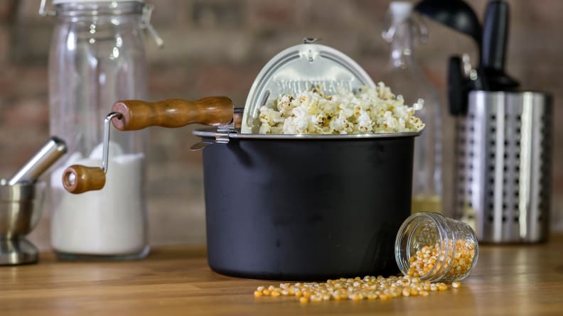 The Best Popcorn Poppers and Popcorn Makers of 2019
