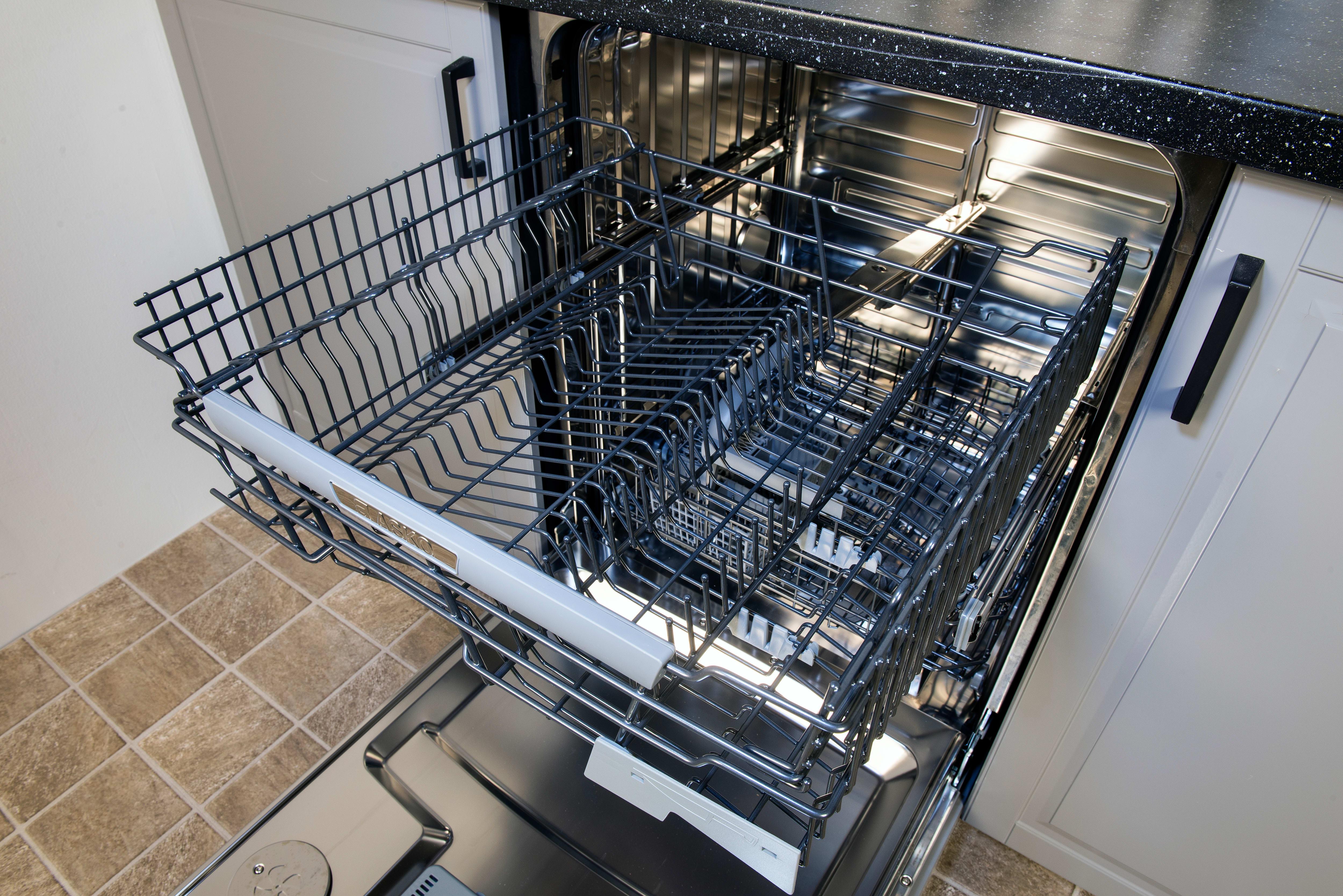 Asko D5534XXLFI empty top rack