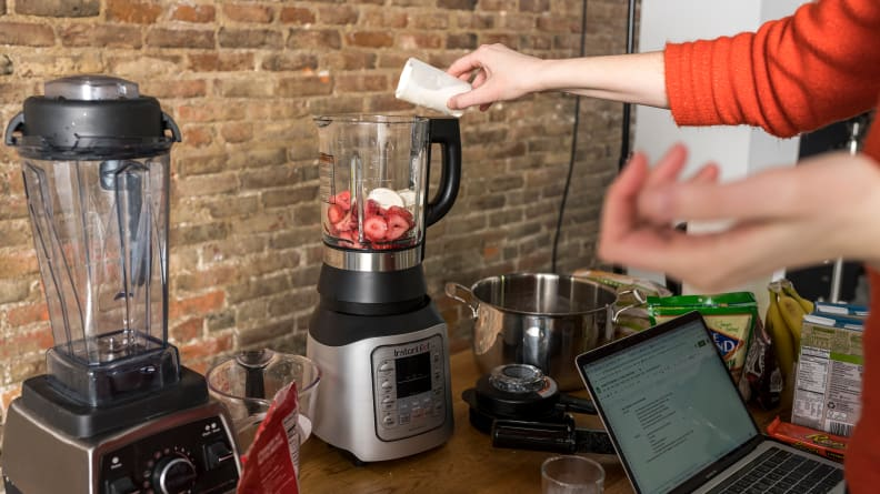 Instant Pot Blender - Mixing a Smoothie