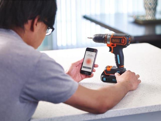 Black+Decker Smartech Drill