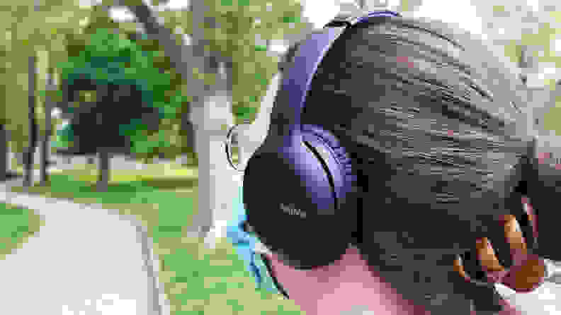 Sony-WHCH710N-header-image