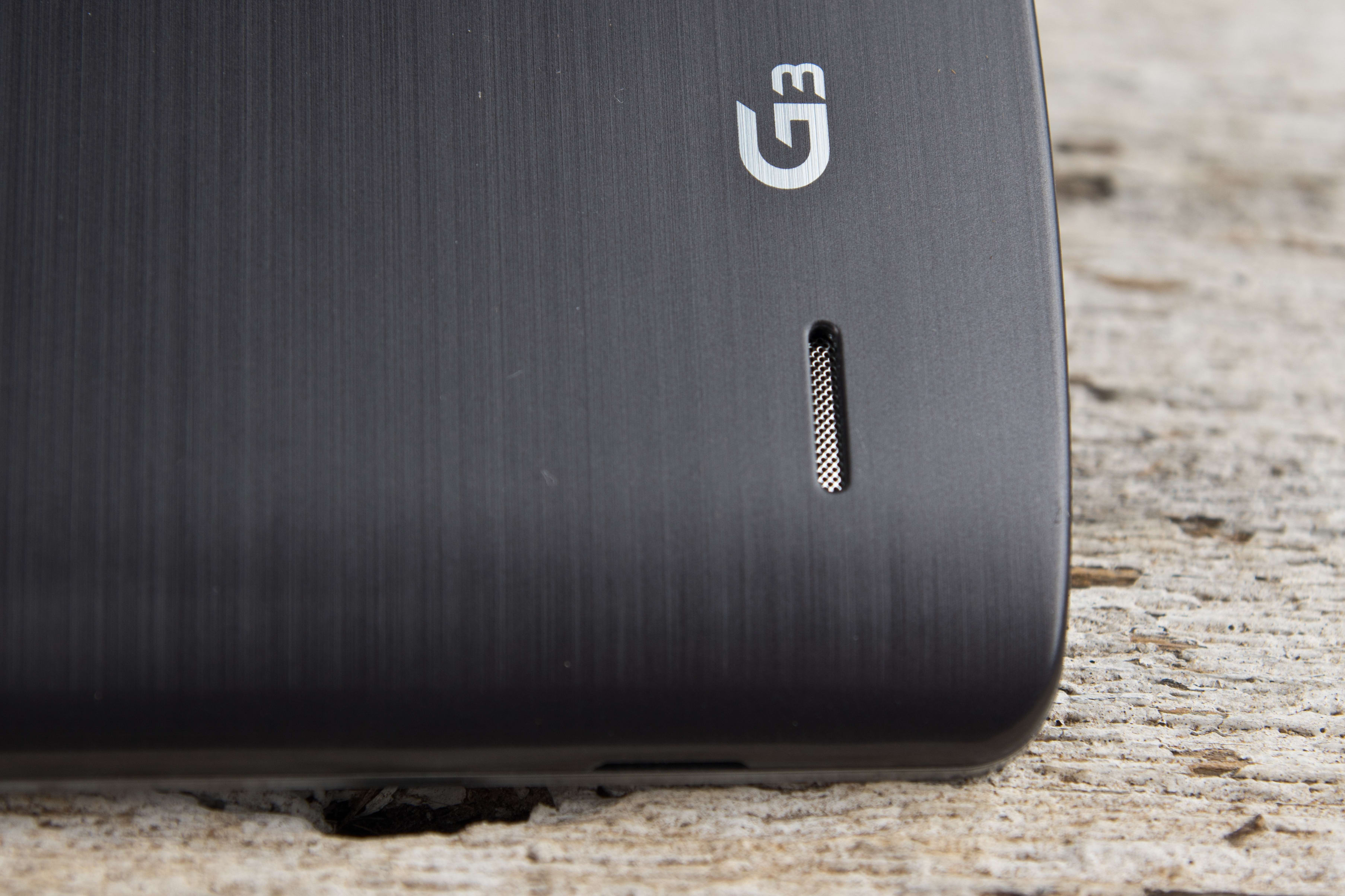 A close-up photo of the LG G3's speaker.