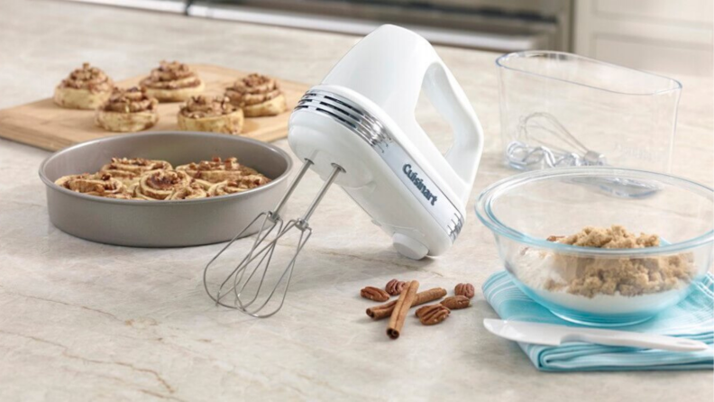 Best baking Tools: Hand Mixer