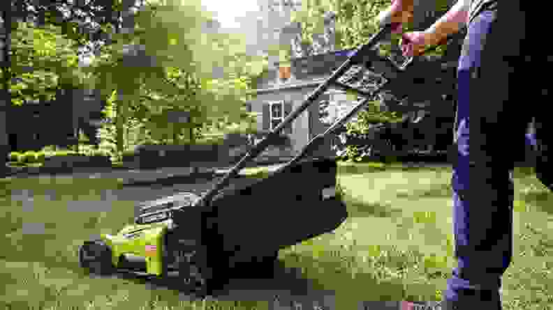 This self-propelled lawn mower runs on a rechargeable battery.