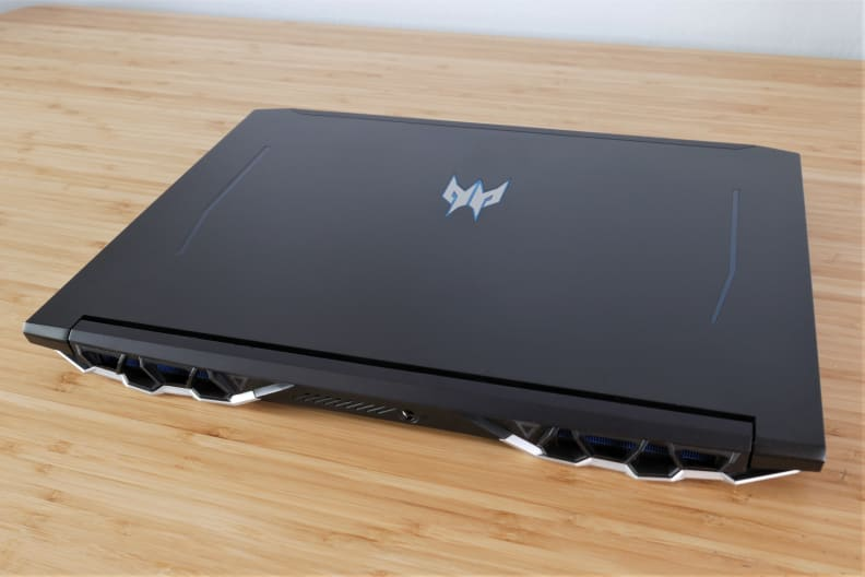 Acer Predator Helios 300 top back