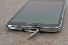 Samsung-Galaxy-S5-review-usb.jpg