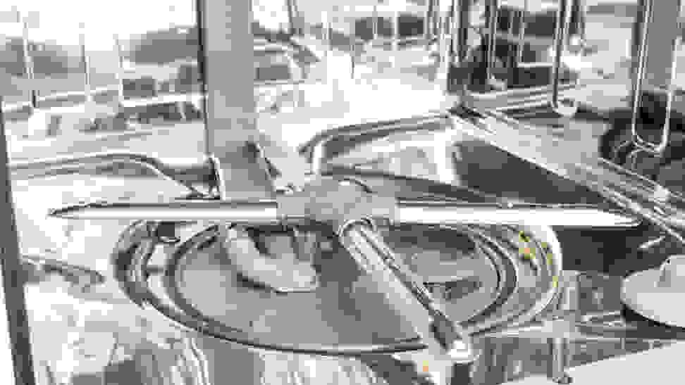 itchenAid-KDTE334GPS-spray-arm-and-interior