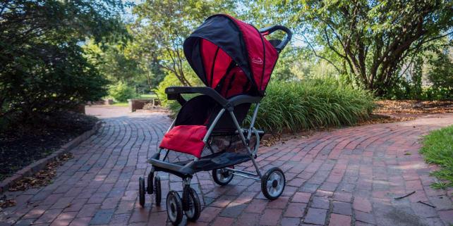 Best Stroller Under $100: Kolcraft Cloud Plus Stroller