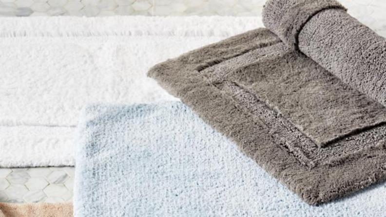 Best wedding gifts: Bath mat