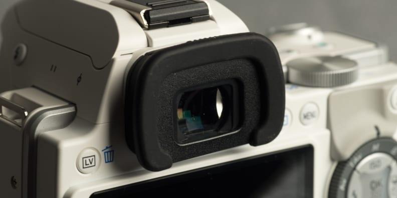 pentax-k-s1-review-design-viewfinder.jpg
