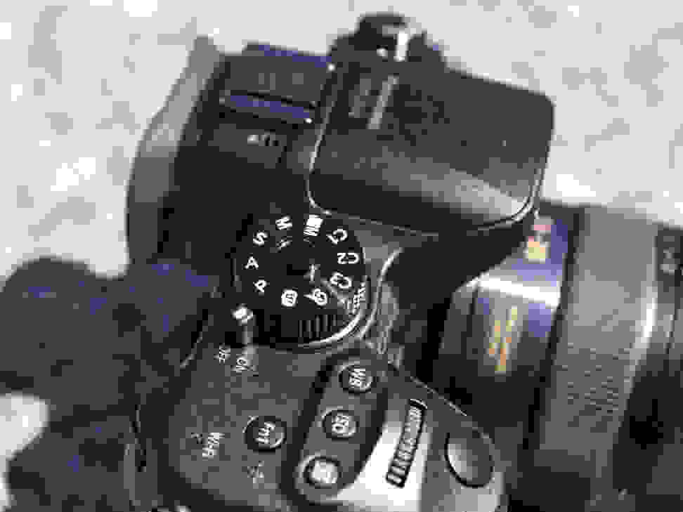 gh4-top-dial.jpg