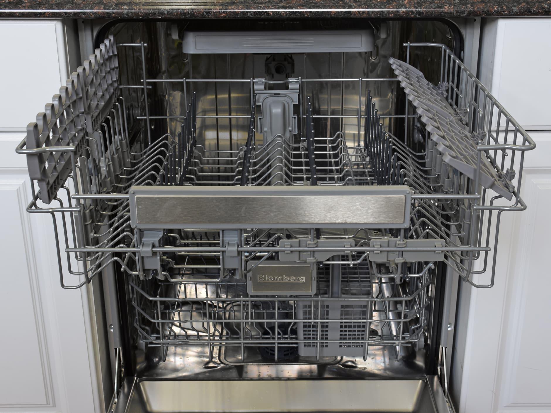 Blomberg DWT57500SS upper rack