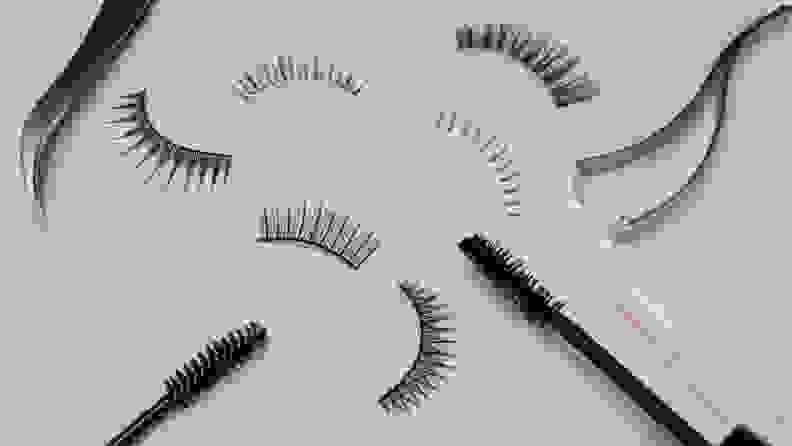 Fake eyelashes and mascara