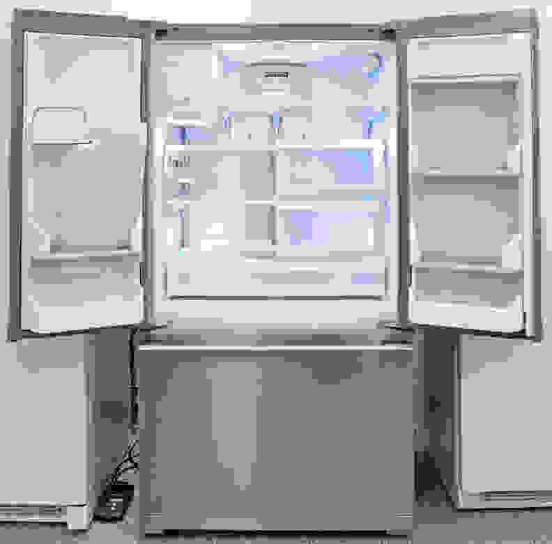 Frigidaire Professional FPBC2277RF Interior