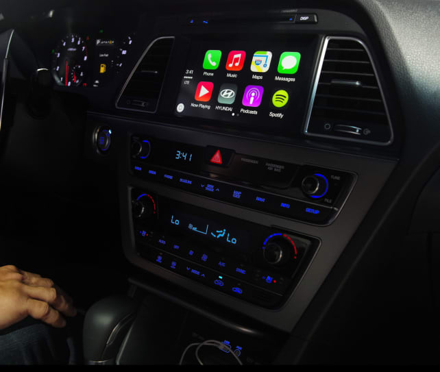 2015 Hyundai Sonata Apple CarPlay2.jpg