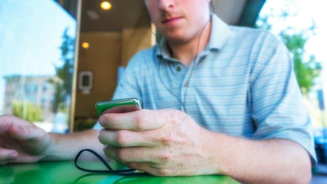 iPod Nano sitting 2