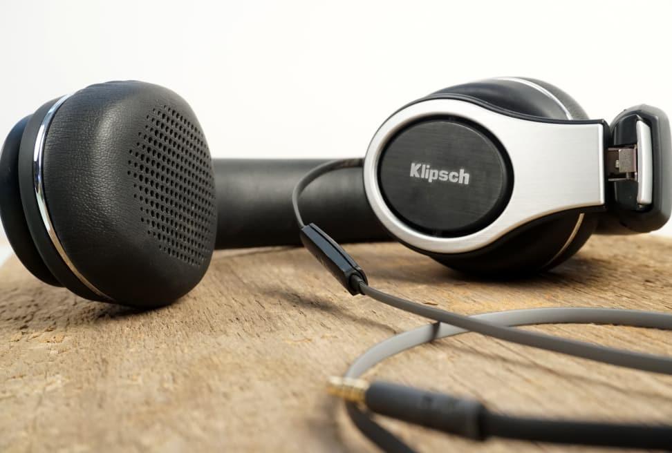 Klipsch-Reference-On-Ears-Cups.jpg