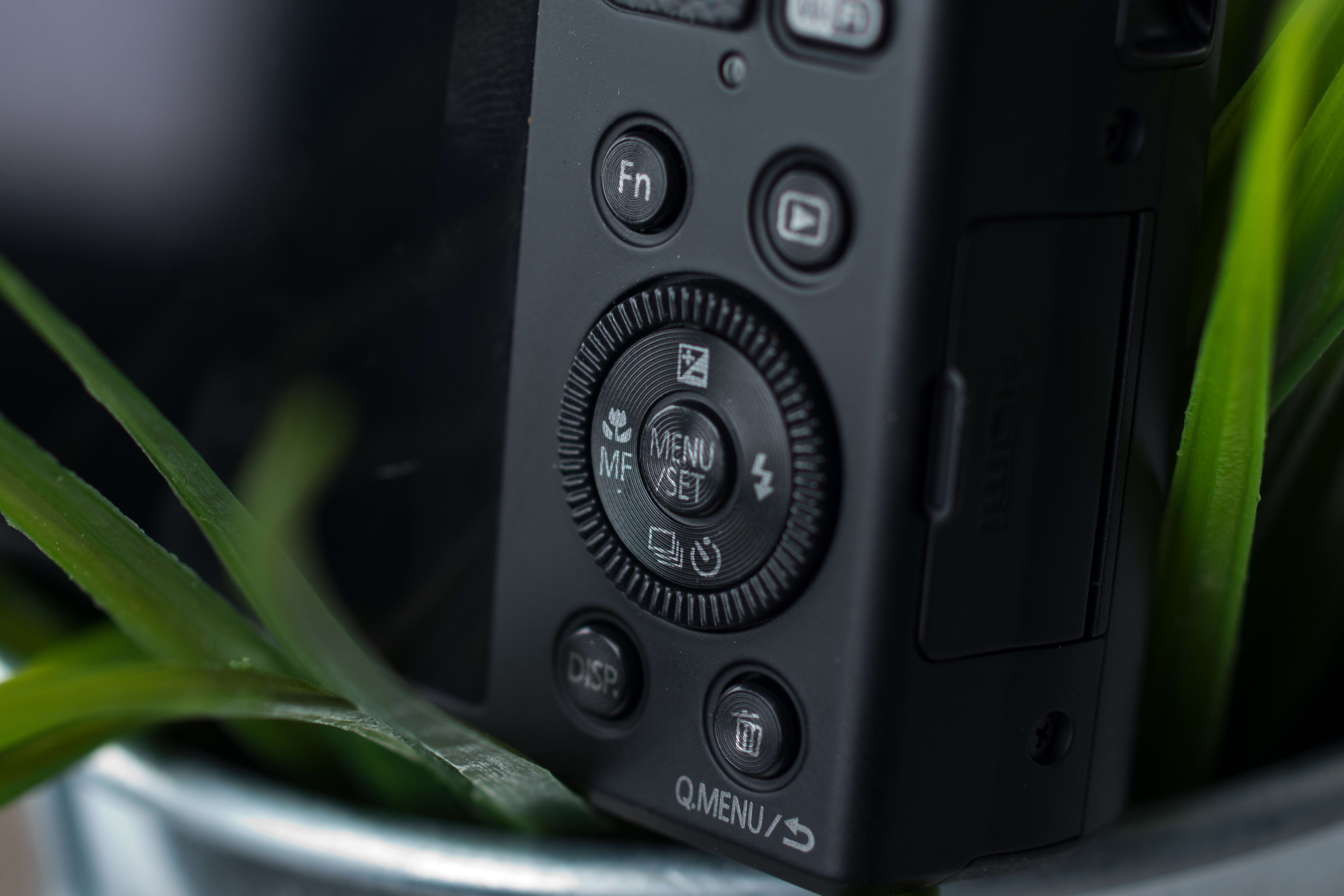 A picture of the Panasonic Lumix ZS40's rear controls.