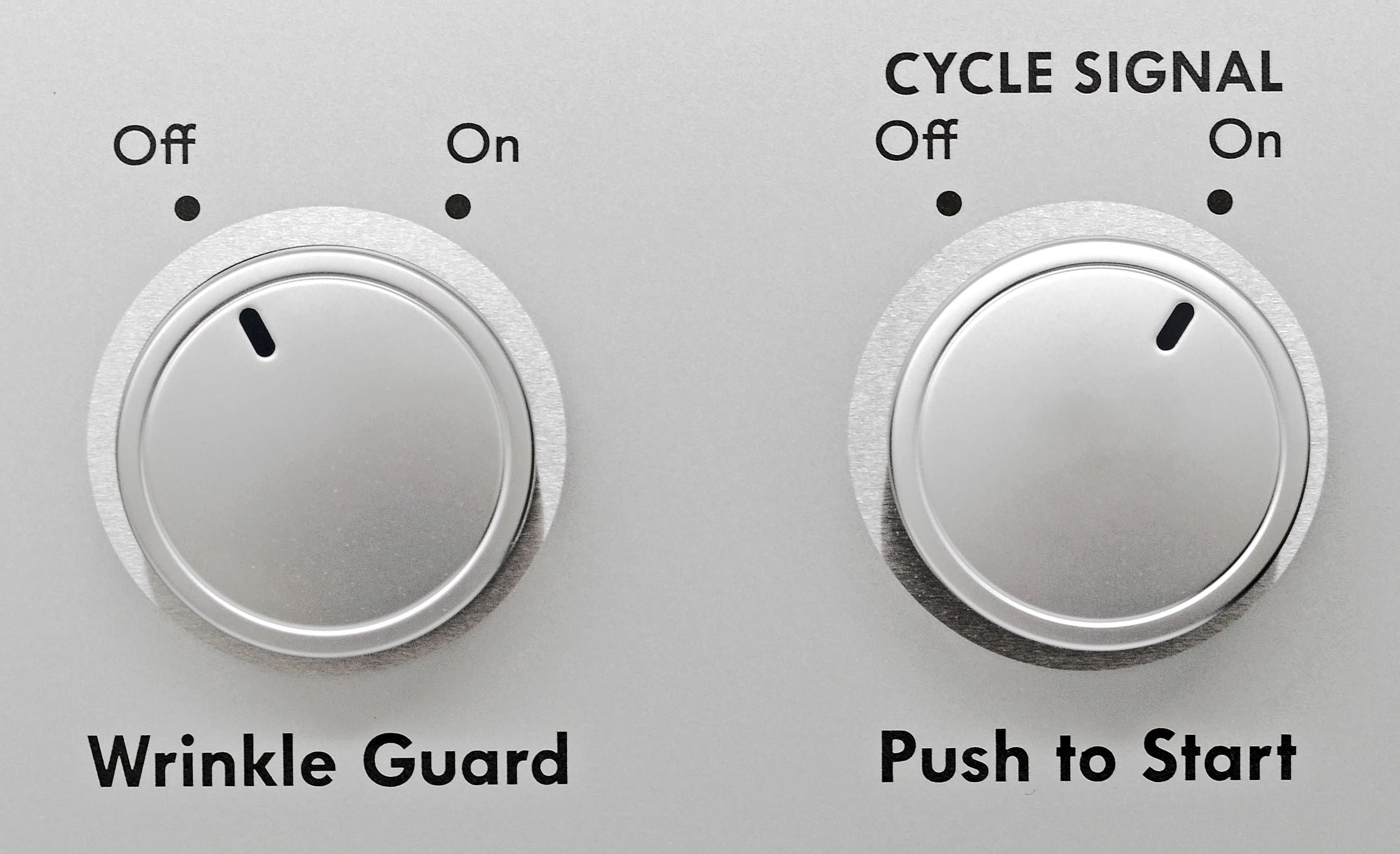 On or off, wrinkle guard or not... The Kenmore 65132's minimal features keep controls very basic.