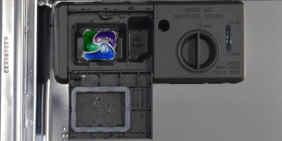 Product Image - KitchenAid KDTE304DSS