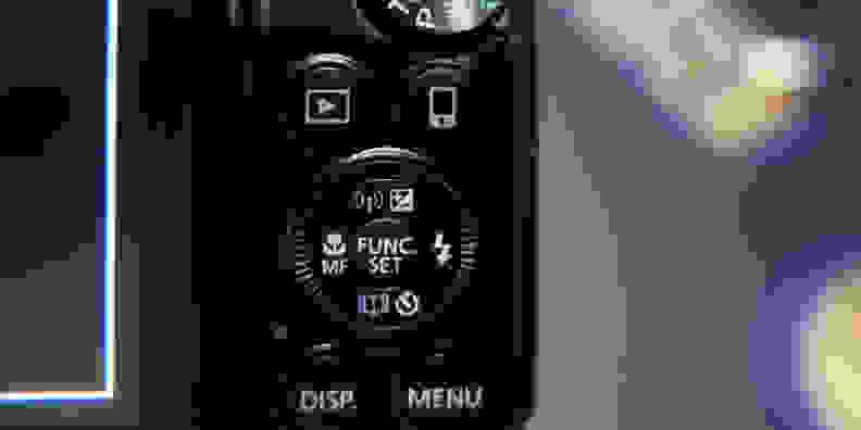 CANON-SX710-FI-DESIGN-CONTROLS.jpg