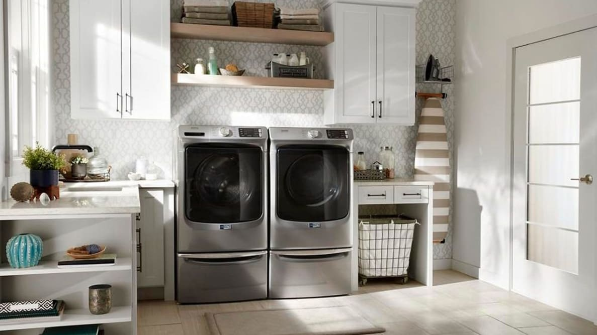 The Maytag MHW6630HC front-load washer is tough on stains—and on your clothes. As long as you don't have many delicates, you'll love this washer.