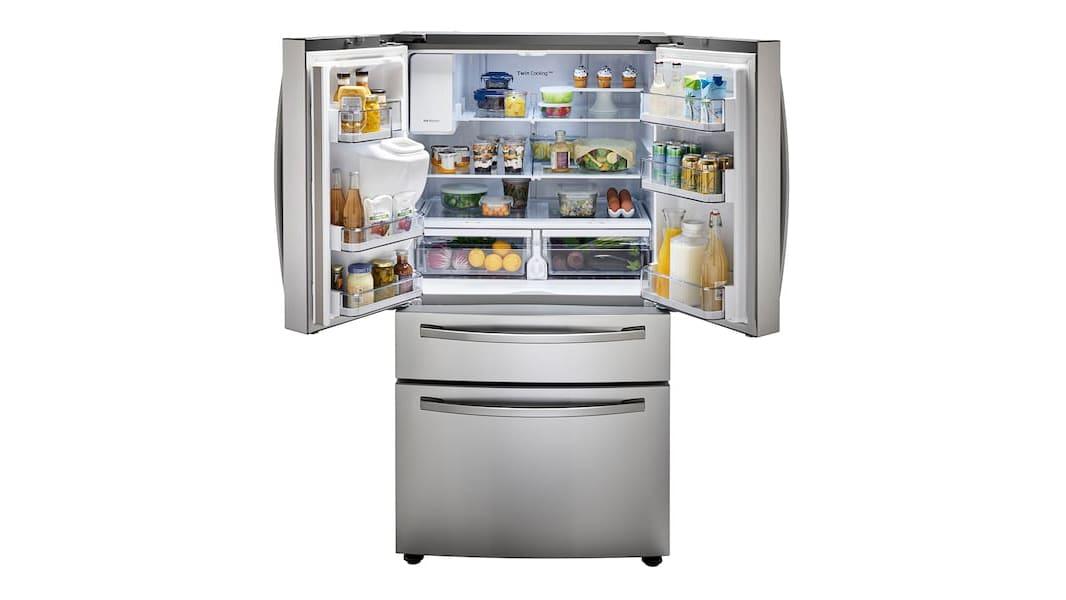 A Samsung RF28R7201SR refrigerator