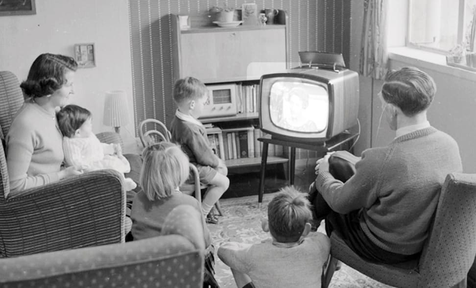 How To Make Your Living Room Sound Like A Movie Theater Reviewed Televisions