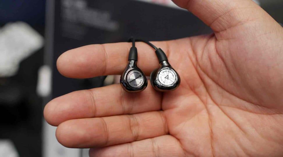Beyerdynamic AK-T8iE Headphones at IFA 2015