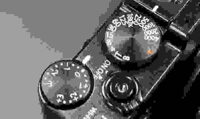 70-Fujifilm-XE2-Controls.jpg
