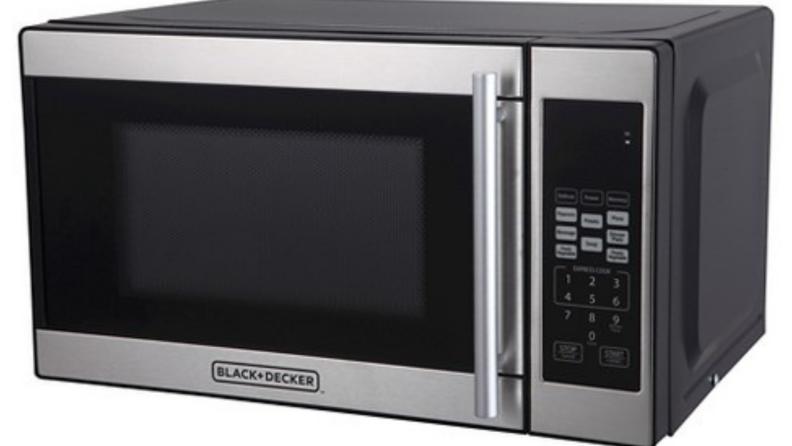 Black+Decker-compact-microwave
