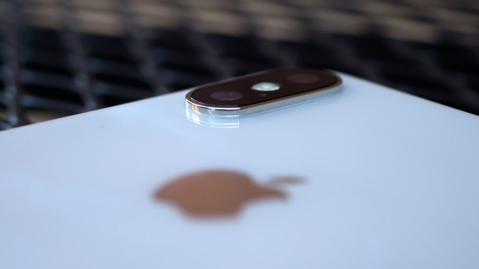 Apple iPhone X Camera Hump