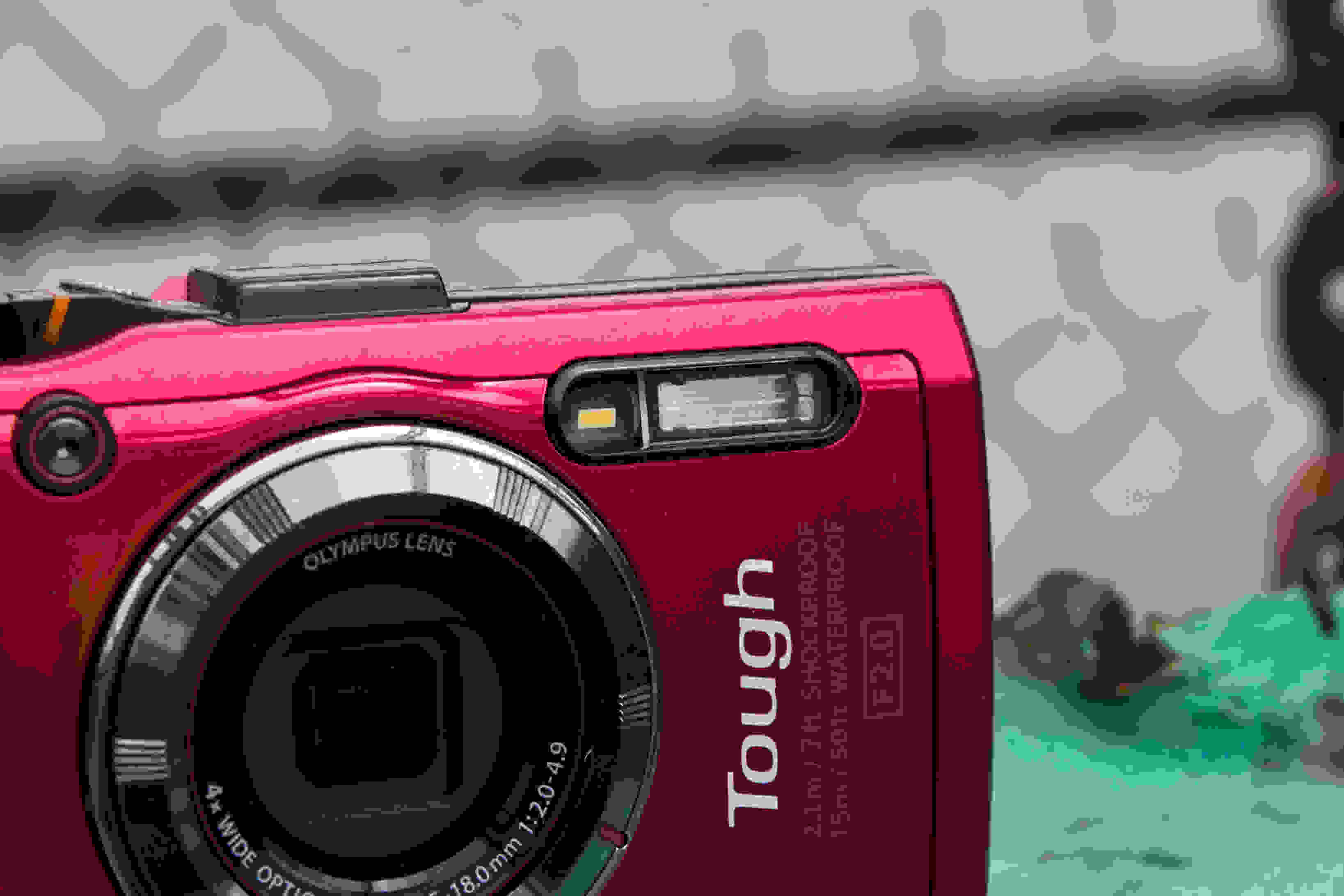 A picture of the Olympus TG-3's flash.