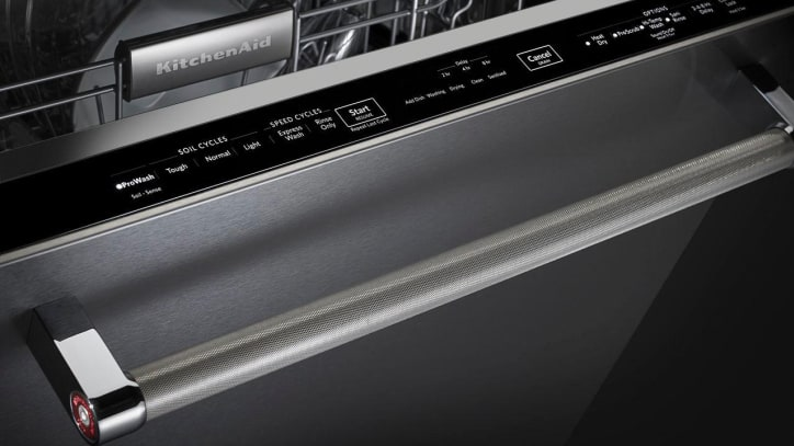 Superb KitchenAid KDTE334GPS Dishwasher Review. A Sleek, Quiet, And Feature Packed  Dishwasher. But You Need To Scrape And Rinse To Get Clean Dishes.