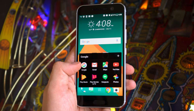 HTC 10 In Use