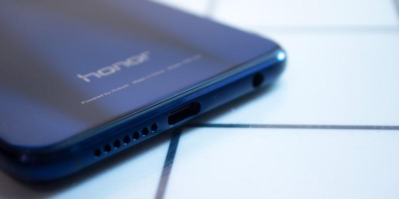 Huawei Honor 8 USB-C Port