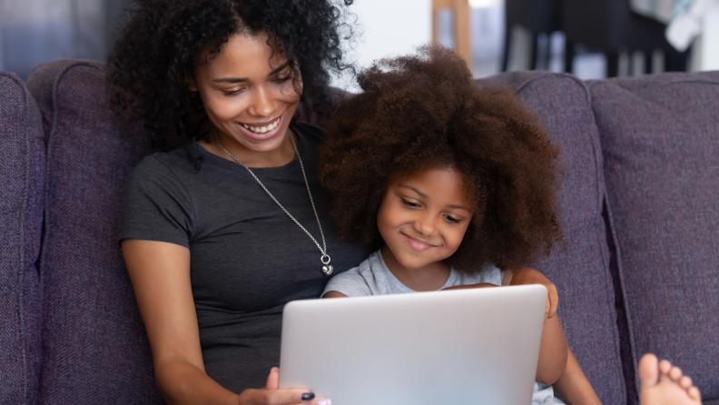 mother daughter laptop