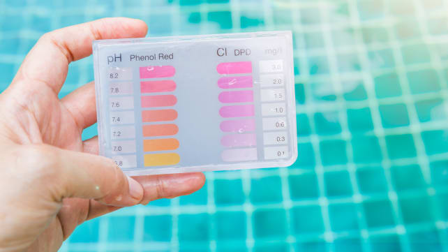 why you smell chlorine at the pool reviewed