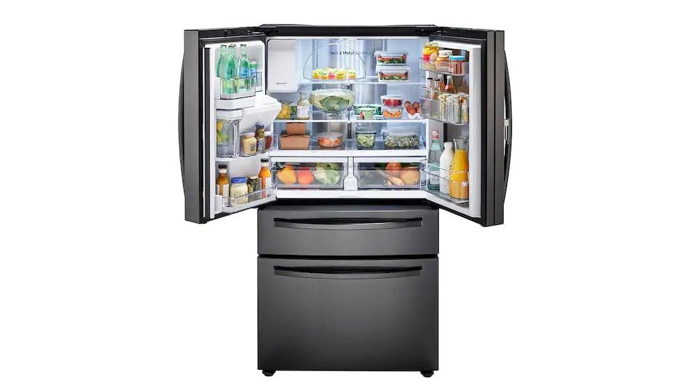 A Samsung RF28R351SG French door refrigerator