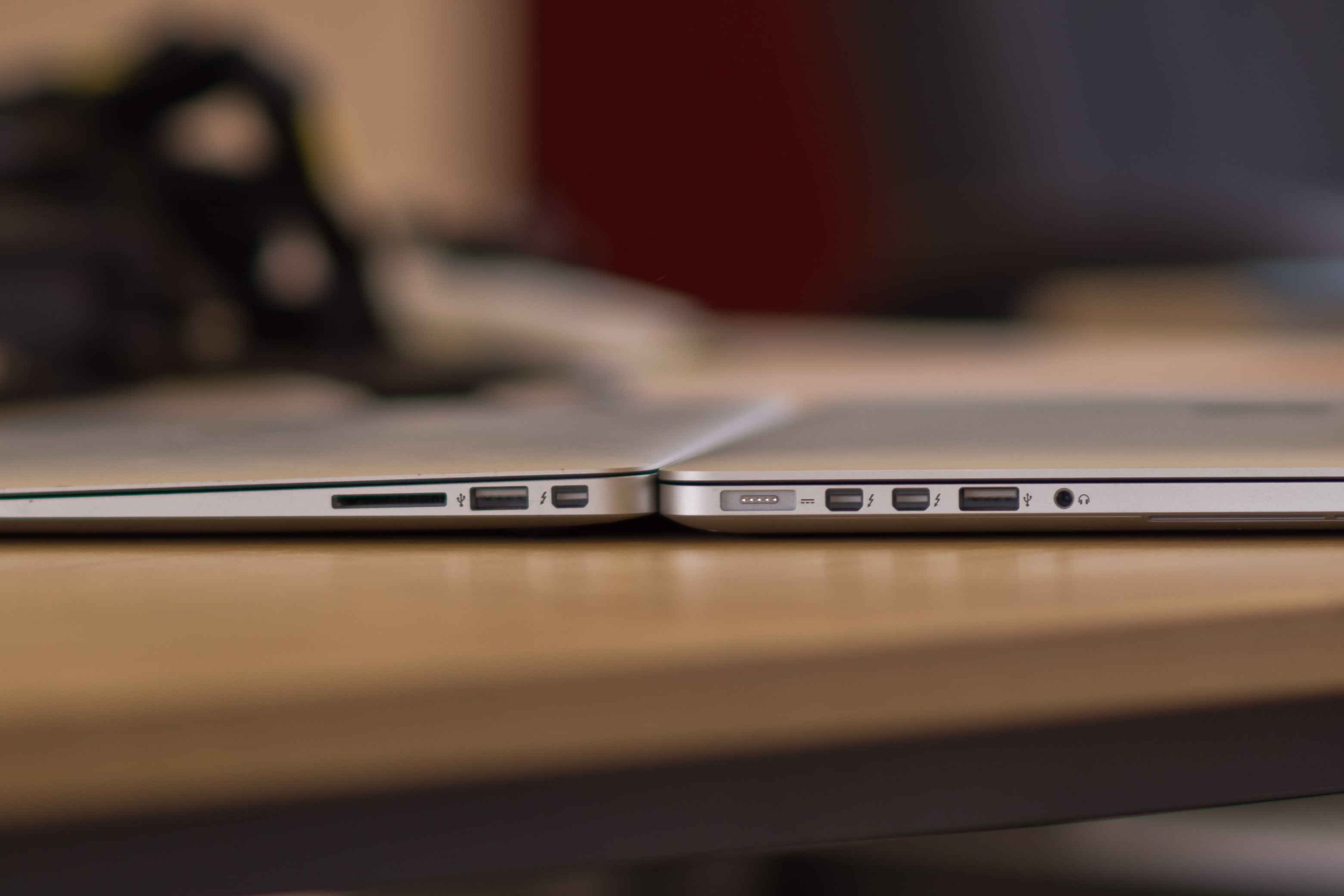 A closer look at the MacBook Pro with Retina Display's thickness compared to a MacBook Air.