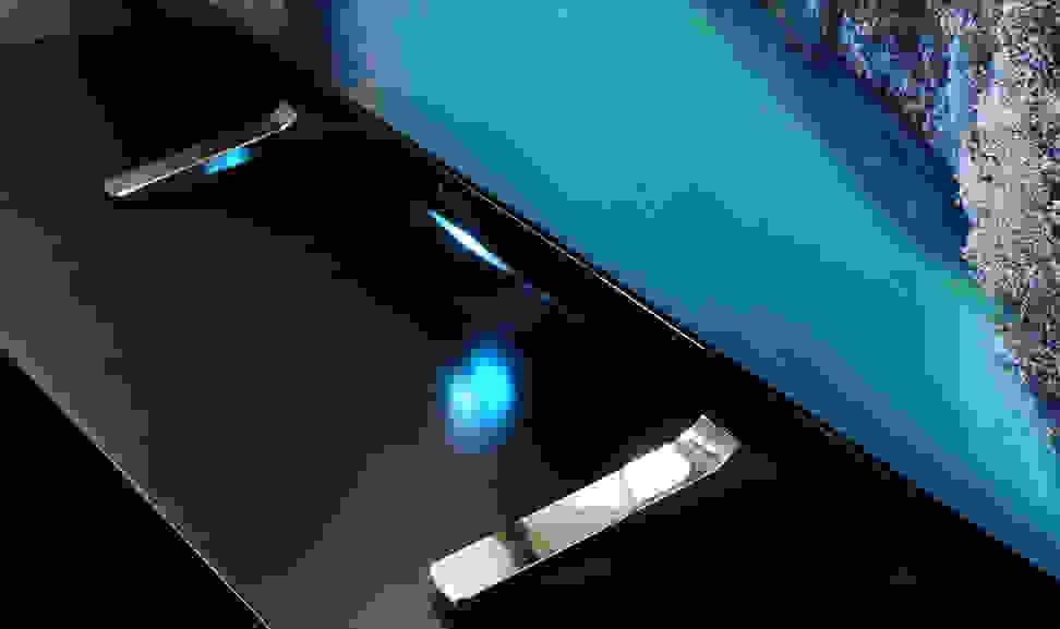 Sony-X900B-Stand.jpg