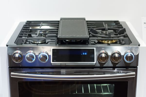 Samsung Flex Duo Gas Range burners