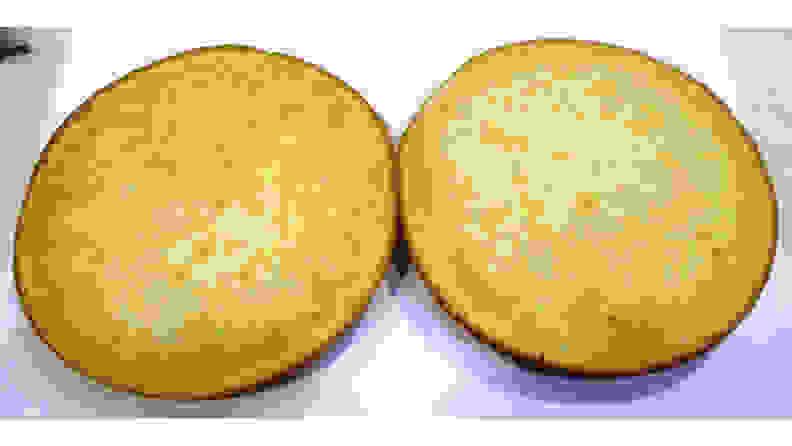 Frigidaire-FFGH3054-cake-top